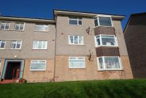 3 bedroom Flat in Overton Crescent...