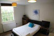 Studio apartment in Gloucester Terrace...