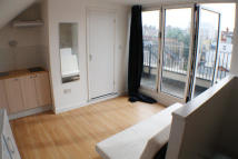 Caledonian Road Studio flat to rent