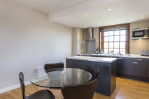 1 bed Flat to rent in Scott Avenue, London...