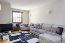1 bedroom Flat in Scott Avenue, London...
