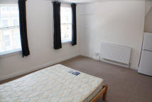CALEDONIAN ROAD Studio apartment to rent