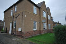 2 bed Ground Flat in Newhouse Road...