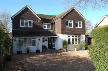 4 bedroom Detached home in Mytchett Road, Mytchett...