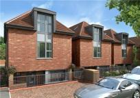 4 bed new property in Langley Place...