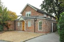 3 bed Detached property in Knutsford Road...
