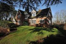4 bed Detached house in Leycester Drive...