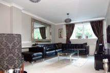 2 bed Flat to rent in Shortlands Road, Bromley...