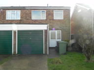 2 bedroom semi detached house to rent in Heather Close...