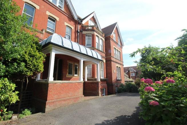 2 Bedroom Apartment To Rent In Buxton Road Eastbourne East Sussex BN20 BN20