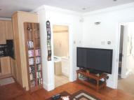 Flat in Tollington Way