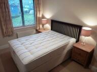 3 bedroom Flat in Tollington Way