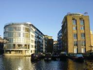 2 bedroom Apartment in Ice Wharf