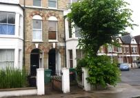 3 bedroom Flat to rent in Marlborough Road
