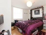 Studio apartment to rent in Camden High Street