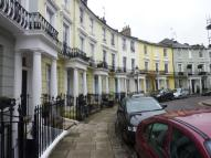Flat to rent in Chalcott Crescent