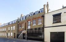 Mews to rent in Weymouth Mews