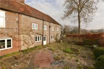 3 bedroom semi detached home to rent in Mill Farm, Cranleigh...