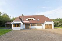4 bed Detached property in The Avenue, Worplesdon...