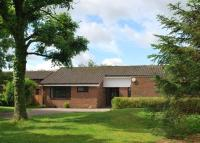 4 bed Bungalow in The Deerings, Harpenden...