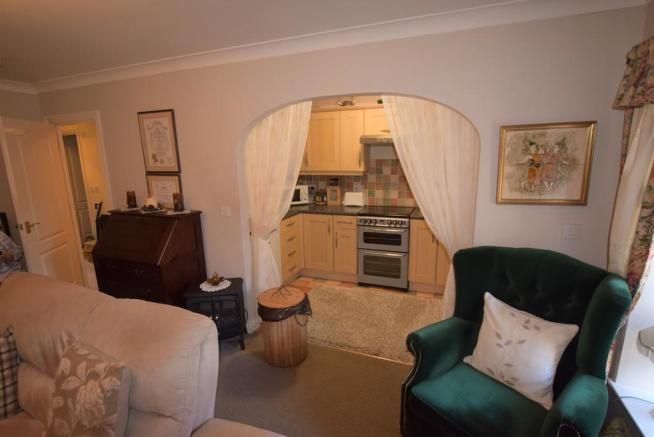 Living Room/Kitch...