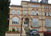 Flat to rent in Savill Court...