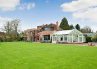 Detached home to rent in Lower Basildon, Reading...
