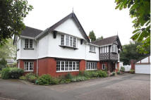 Detached property in Broad Lane, Hale