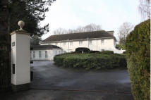 6 bedroom Detached house in Brooks Drive, Hale Barns