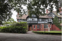 4 bed semi detached home for sale in Dunham Woods...
