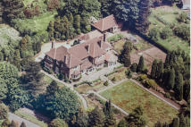 7 bed Detached property in Hill Top, Hale