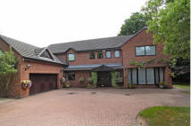 5 bedroom Detached home in 23 Park Lane, Hale