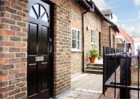 1 bedroom Flat to rent in Glade House, High Street...