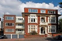 Flat for sale in Windlesham Avenue...