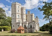 3 bed Flat in Netley Castle...