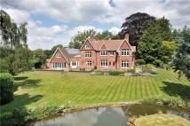 6 bed Detached house for sale in Vicarage Lane, Swanmore...
