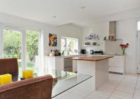 4 bed Detached home in Winkfield Road, Windsor...
