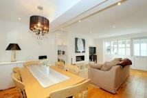 2 bedroom Flat to rent in Grove Road, Windsor...