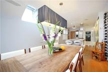 4 bed semi detached home to rent in Albany Road, Old Windsor...