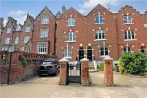 3 bedroom Terraced house in Kings Road, Windsor...
