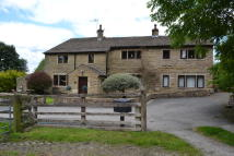 5 bed Farm House in Walverden Road...