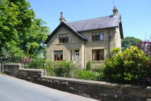 Farm House for sale in Todmorden Road...