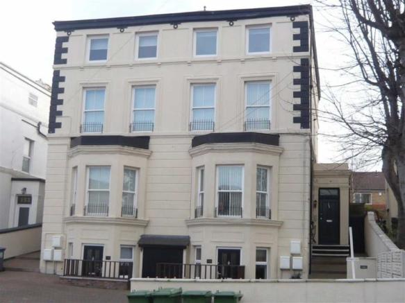 2 bedroom apartment to rent in victoria road new brighton for Room to rent brighton
