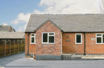Cottage to rent in Bond End, Yoxall, DE13