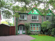 4 bedroom semi detached house to rent in COURT DRIVE, Lichfield...