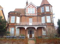 1 bed Studio flat in Queens Road, Felixstowe...