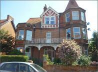1 bed Apartment in Queens Road, Felixstowe...