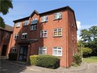 2 bedroom Apartment in Fernleigh Close, Croydon...
