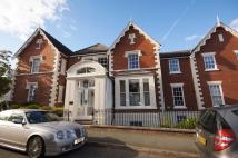 3 bed Penthouse in Victoria Crescent...