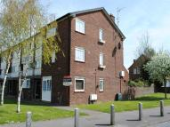 1 bed Flat to rent in Plaw Hatch Close...